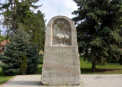 Kocsér II. világháborús emlékmű 2014.05.03. küldő-belamiki