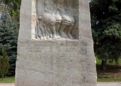 Kocsér II. világháborús emlékmű 2014.05.03. küldő-belamiki (5)