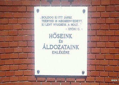 Kocsola világháborús emlékmű 2012.04.28. küldő-miki (2)