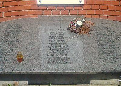 Kocsola világháborús emlékmű 2012.04.28. küldő-miki (3)
