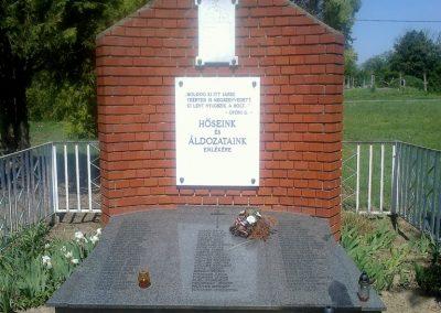 Kocsola világháborús emlékmű 2012.04.28. küldő-miki