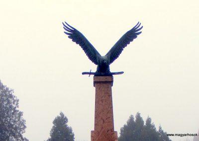 Kolozsnéma világháborús emlékmű 2012.12.16. küldő-Méri (1)