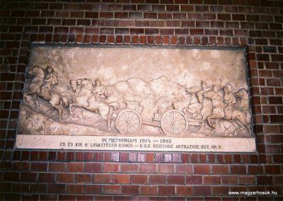 Komárom Jézus szive templom I. világháborús emléktábla 2010. küldő-Emese (1)