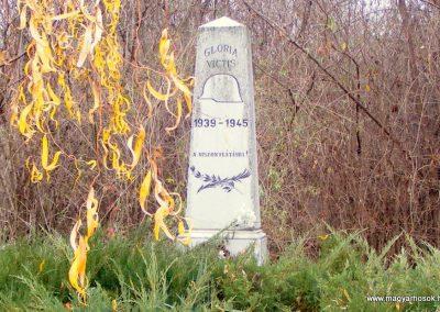 Komárom - Révkomárom II. világháborús emlékmű református temető 2012.12.02. küldő-Méri (3)