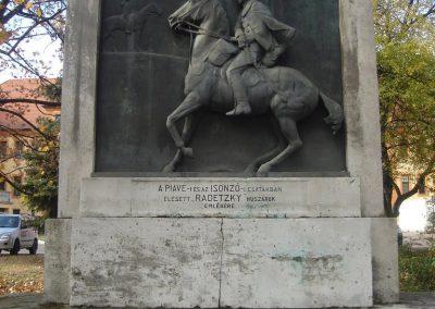 Komárom Radetzky huszárok emlékműve 2008.10.30.küldő-Huszár Peti