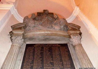 Komárom Szent András templom I. világháborús emlékmű 2014.01.12. küldő-Méri (3)