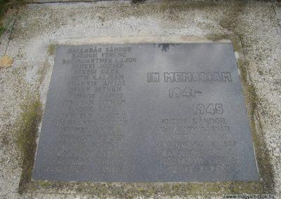 Komárom világháborús emlékmű 2008.10.30.küldő-Huszár Peti (7)