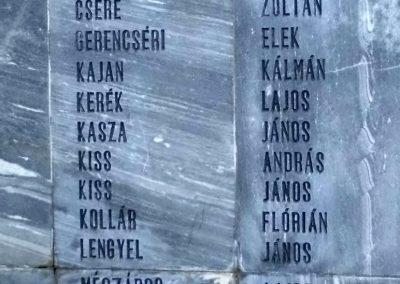 Komáromszentpéter világháborús emlékmű 2013.09.15. küldő-Méri (2)