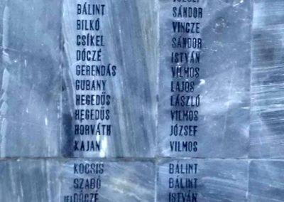 Komáromszentpéter világháborús emlékmű 2013.09.15. küldő-Méri (3)
