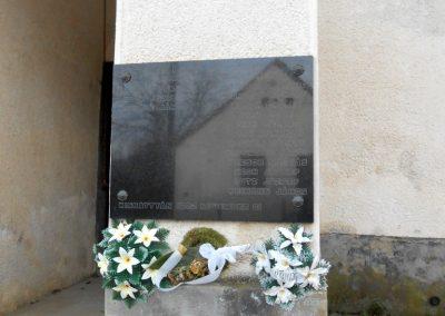 Komló-Kisbattyán világháborús emléktábla 2014.12.14. küldő-Turul 68 (1)