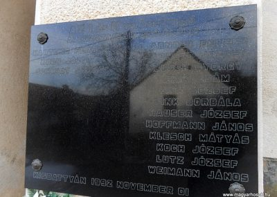 Komló-Kisbattyán világháborús emléktábla 2014.12.14. küldő-Turul 68 (2)