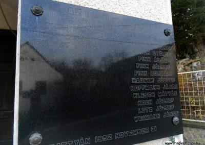 Komló-Kisbattyán világháborús emléktábla 2014.12.14. küldő-Turul 68 (5)