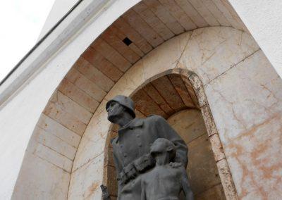 Komló világháborús emlékmű 2014.10.12. küldő-Turul 68 (1)
