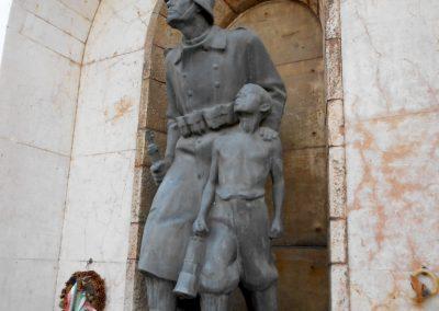 Komló világháborús emlékmű 2014.10.12. küldő-Turul 68 (3)