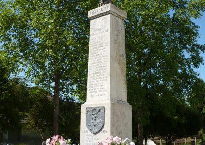 Komlósd világháborús emlékmű 2009.05.08.küldő-Sümec (5)
