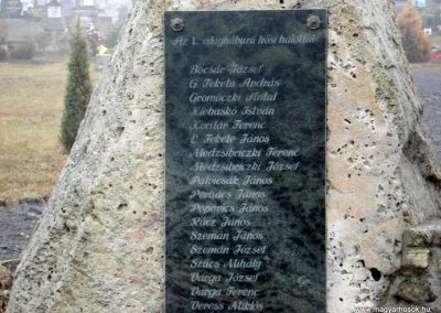 Komlóska világháborús emlékmű 2011.12.14. küldő-megtorló (3)
