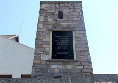 Komoró világháborús emlékmű 2016.05.23. küldő-kalyhas (2)