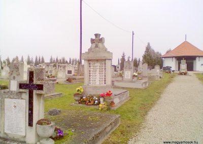 Kondorfa II.vh emlékmű 2011.11.26. küldő-Zsilavecz Dávid (4)
