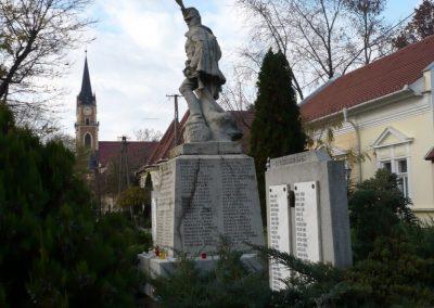 Kondoros világháborús emlékmű 2014.11.20. küldő-Sümec (17)