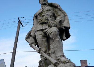 Kondoros világháborús emlékmű 2014.11.20. küldő-Sümec (2)