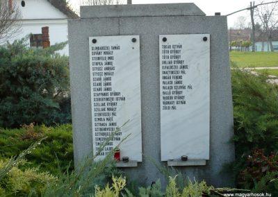 Kondoros világháborús emlékmű 2014.11.20. küldő-Sümec (29)