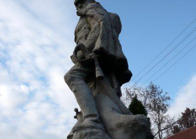 Kondoros világháborús emlékmű 2014.11.20. küldő-Sümec (5)