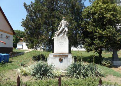 Konyár I. és II. világháborús emlékmű 2018.05.28. küldő-Bóta Sándor (1)