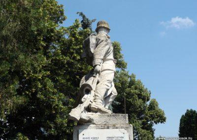 Konyár I. és II. világháborús emlékmű 2018.05.28. küldő-Bóta Sándor (10)