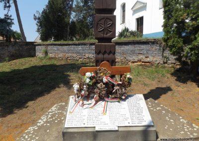 Konyár I. és II. világháborús emlékmű 2018.05.28. küldő-Bóta Sándor (14)
