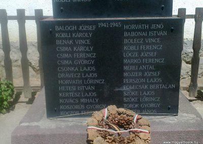Koppányszántó világháborús emlékmű 2012.04.28. küldő-miki (3)
