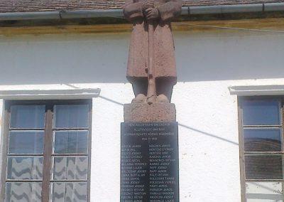 Koppányszántó világháborús emlékmű 2012.04.28. küldő-miki