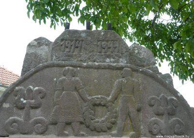 Korond világháborús emlékmű 2009.08.23.küldő-Ágca (1)