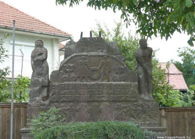 Korond világháborús emlékmű 2009.08.23.küldő-Ágca (4)