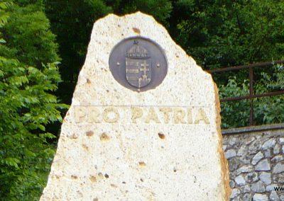 Krasznokvajda világháborús emlékmű 2009.05.13. küldő-Gombóc Arthur (1)