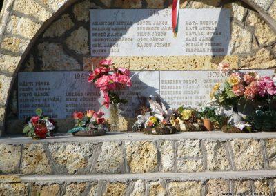 Krasznokvajda világháborús emlékmű 2009.05.13.küldő-Gombóc Arthur (1)