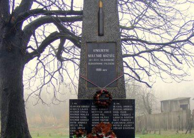 Kulcsod világháborús emlékmű 2012.12.16. küldő-Méri (3)