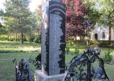 Kunbaja II.vh emlékmű 2011.08.17. küldő-kalyhas (4)