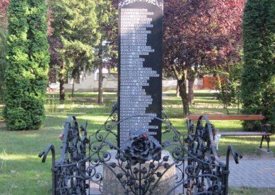 Kunbaja II.vh emlékmű 2011.08.17. küldő-kalyhas (7)