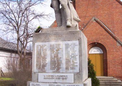Kuncsorba világháborús emlékmű 2009.03.16. küldő-miki (1)