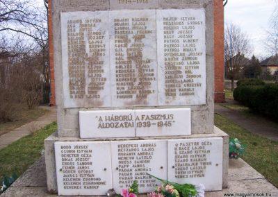 Kuncsorba világháborús emlékmű 2009.03.16. küldő-miki (3)