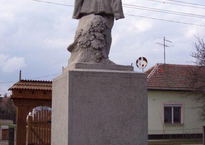 Kuncsorba világháborús emlékmű 2009.03.16. küldő-miki (5)