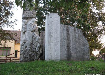 Kunhegyes világháborús emlékmű 2008.08.21. küldő-Kályhás (3)