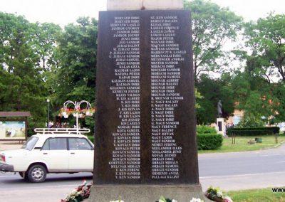 Kunmadaras I.vh emlékmű 2009.05.14. küldő-miki (6)