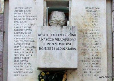 Kunszentmiklós II.vh emlékmű 2007.10.14.küldő-Markó Péter (2)