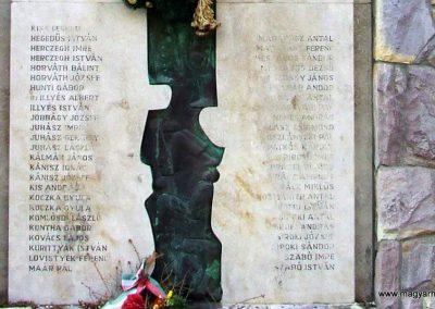 Kunszentmiklós II.vh emlékmű 2007.10.14.küldő-Markó Péter (3)
