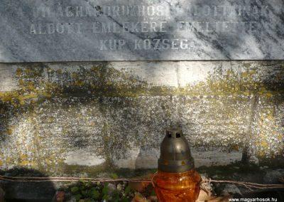 Kup világháborús emlékmű 2013.10.18. küldő-Sümec (8)