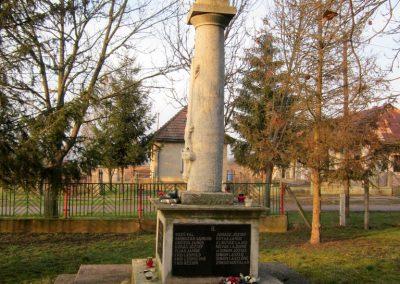 Kupa világháborús emlékmű 2014.02.15. küldő-kalyhas (7)