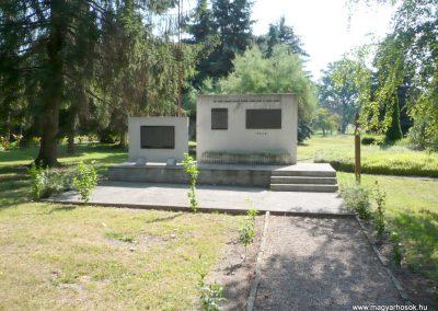 Kutas II. világháborús emlékmű 2012.06.28. küldő-Sümec