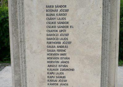 Lábatlan világháborús emlékmű 2010.06.26. küldő-Sümec (5)