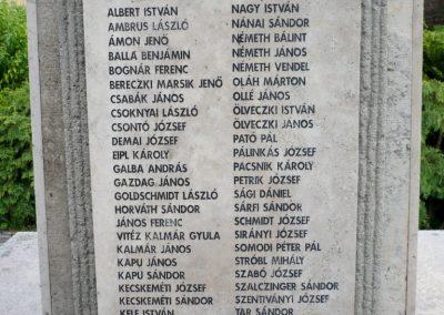 Lábatlan világháborús emlékmű 2010.06.26. küldő-Sümec (7)